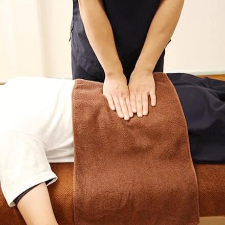 急なぎっくり腰や腰痛でお悩みの方は大分市のピュア整骨院にご相談ください。
